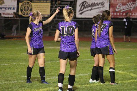 Wenatchee girls soccer falls in Battle of the Bridges