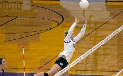 Wenatchee varsity volleyball takes apart Davis