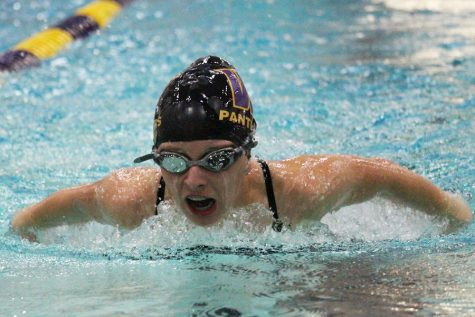 PHOTO GALLERY: Wenatchee splashes competition at home meet