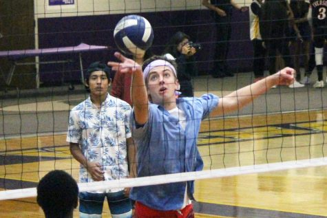 WHS goes bananas for Buff Puff volleyball tournament