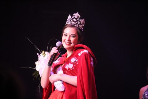Amy Sand crowned Apple Blossom queen
