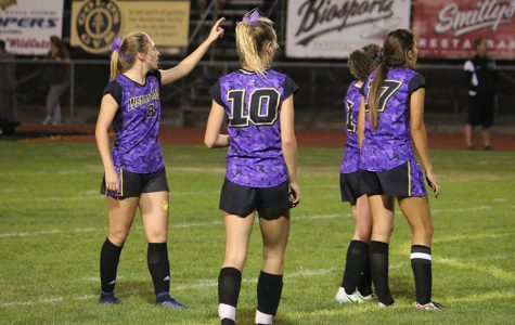 Wenatchee girls soccer falls in Battle of the Bridges