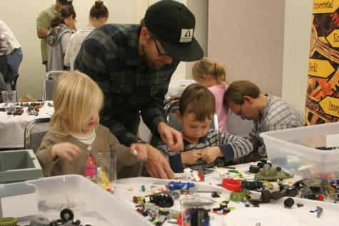 Maker Faire attracts hundreds from community