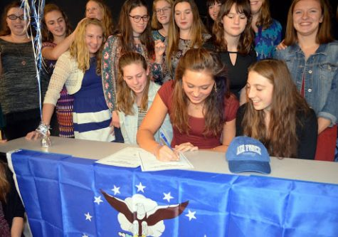 Senior signs with Air Force Academy