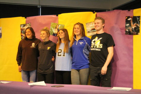Wenatchee seniors sign to college athletic commitments